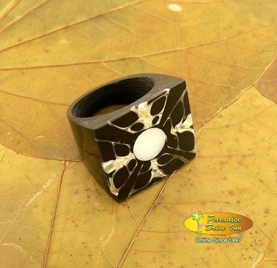 Bali Rings costume jewelry and accessories from Bali