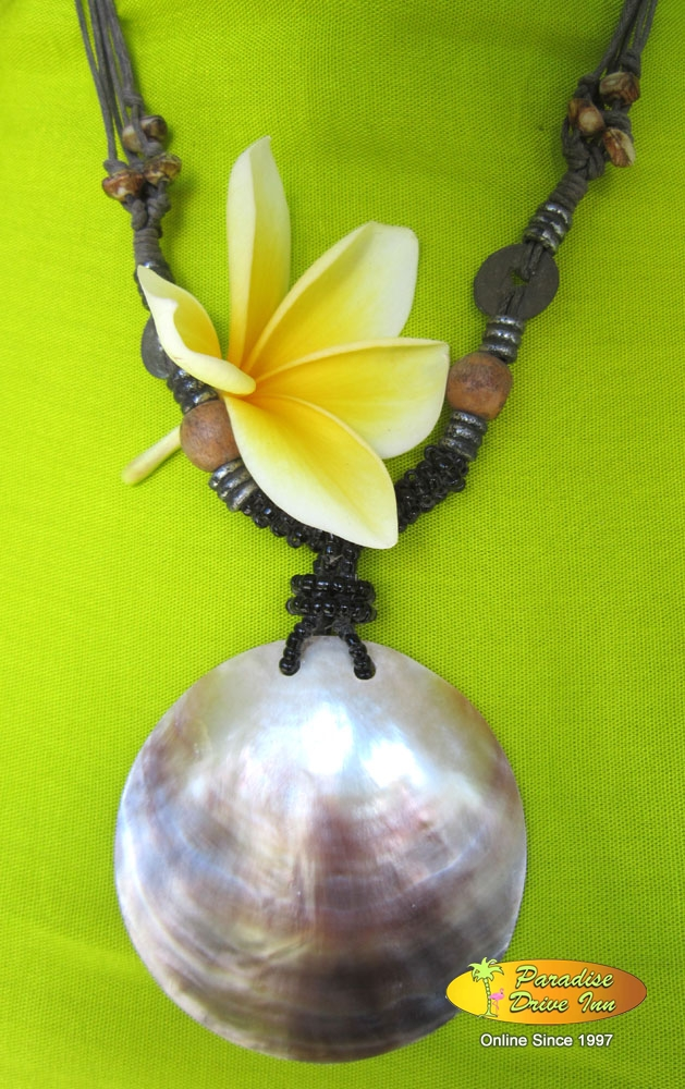 Bali Necklace shell
