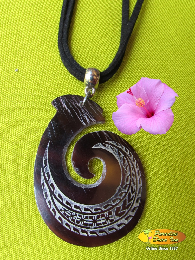 Bali Shell carved necklace