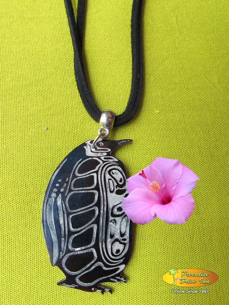 Bali Shell carved necklace, pinguin