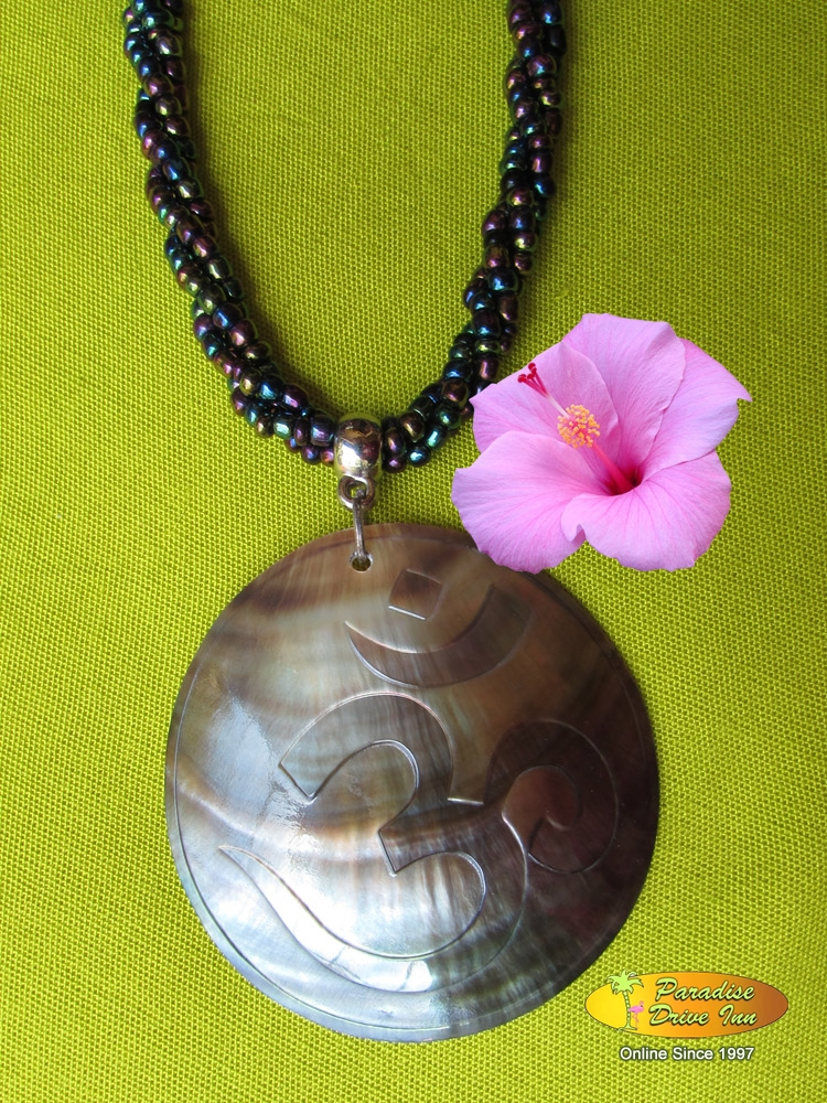 Bali Shell carved neklace, ohm design with beads
