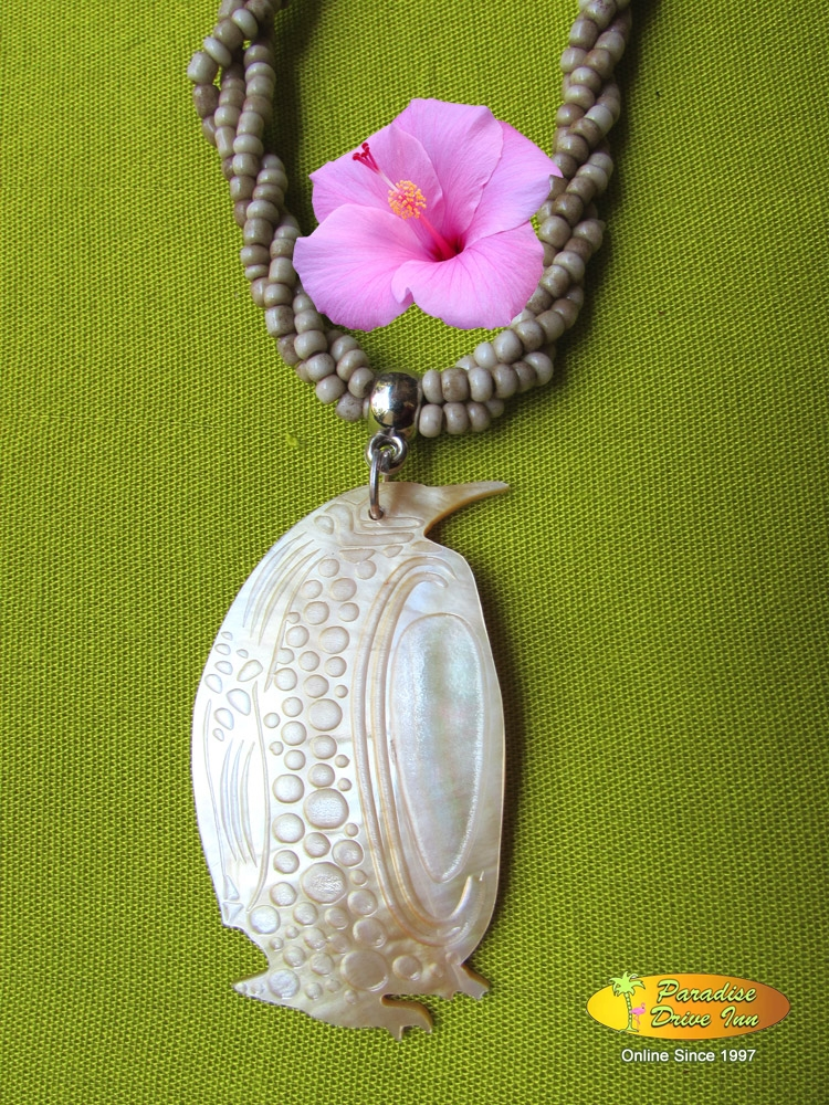 Bali Shell carved neklace, pinguin with beads